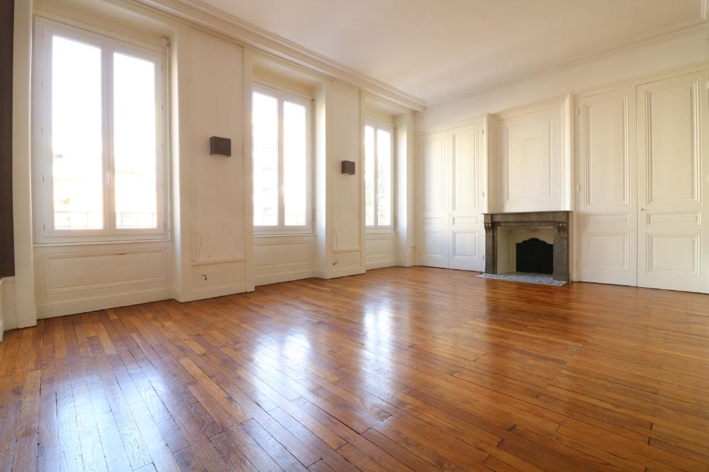 Appartement T4 LYON CROIX ROUSSE